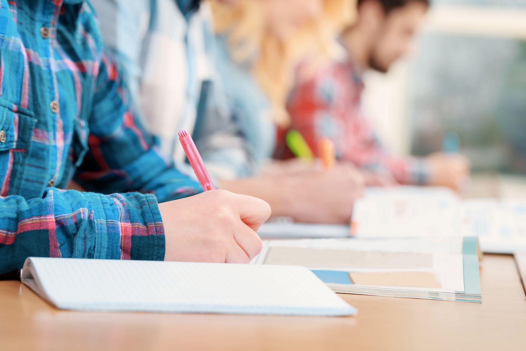 Klausuraufgaben - eine Typologie für das Lernen